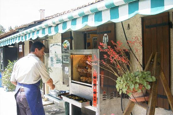 Camping Monplaisir : Poulets rôtis du dimanche