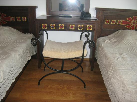 Hotel Gurko : hand-made furniture