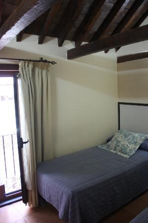 Hostal Alfonso XII: Habitación
