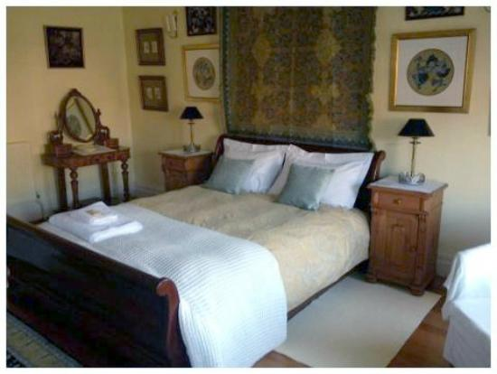 Sefton Villas B & B: Bedroom