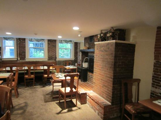 The Salem Inn: The Breakfast Area
