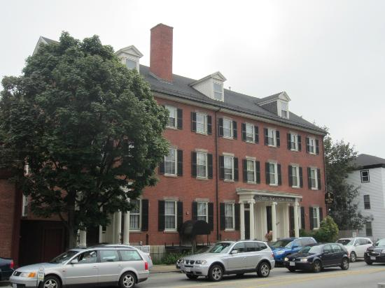 The Salem Inn: The Inn