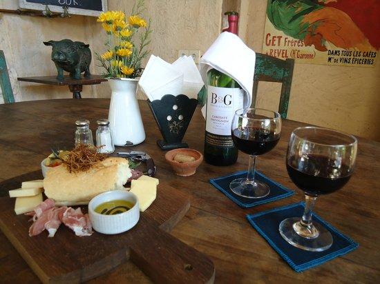 Kebun Bistro: Rustic Cheese Platter w/ Cab. Sauv