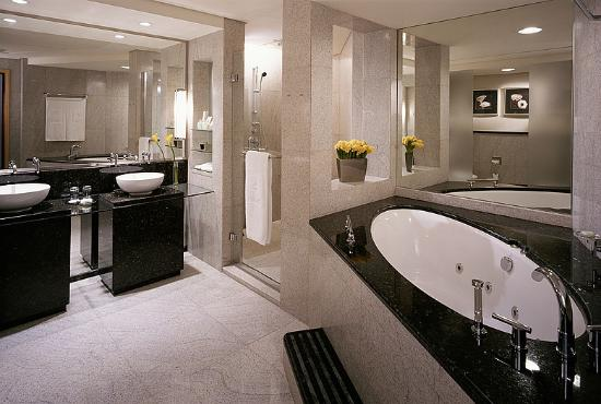 Premier room bathroom picture of shangri la hotel dubai dubai tripadvisor Premiere bathroom design reviews