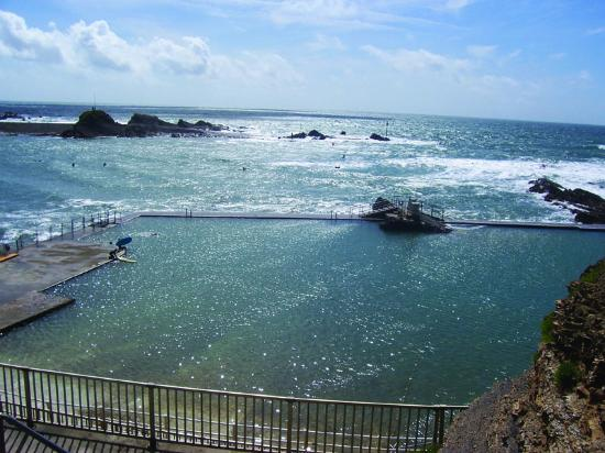 Bude, UK: The Atlantic can be very rough, and the Sea Pool provides a safe place to bathe