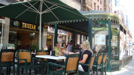 Cafe Tristan