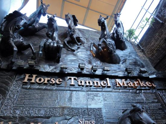 Camden Market: The Horse Tunnel Market