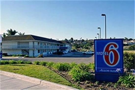Motel 6 Tuscaloosa, AL corner of McFarland & Skyland