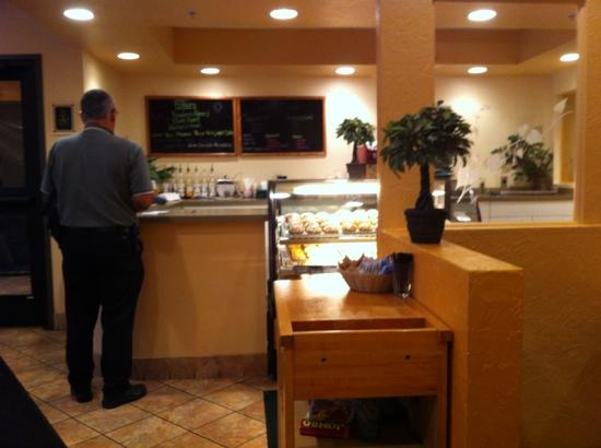 Diana's Delights: Great Cookies & Muffins to Go