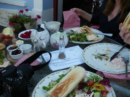 Deli Delights: lunch