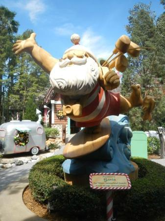 Disney's Winter Summerland Miniature Golf Course 사진