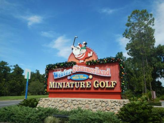 Disney's Winter Summerland Miniature Golf Course: Welcome!