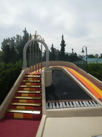 Disney's Fantasia Gardens Miniature Golf Course: It actually plays music when you putt