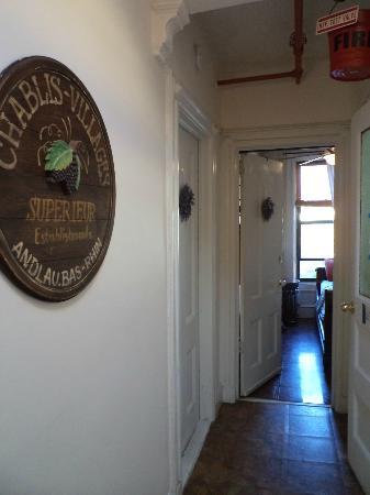 La Sienna: the hallway