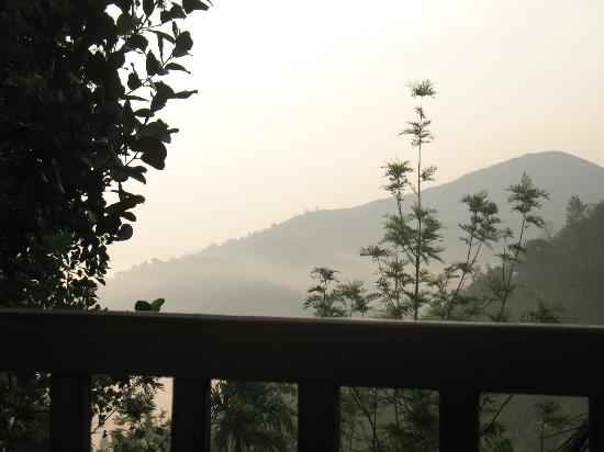Wild Corridor Resort and Spa by Apodis: view of misty clouds and mountains