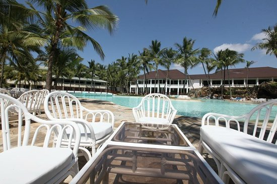 Emrald Flamingo Beach Resort & Spa: Pool Area
