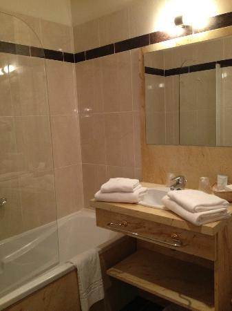 le parc des marechaux hotel auxerre france voir les tarifs et 138 avis. Black Bedroom Furniture Sets. Home Design Ideas