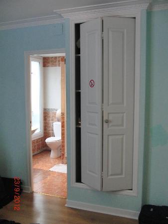 Armadio A Muro Bagno.Armadio A Muro E Bagno Picture Of Hotel Audran Paris Tripadvisor