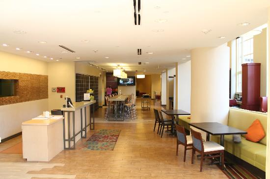 Home2 Suites by Hilton San Antonio Downtown - Riverwalk: Home2 Lobby