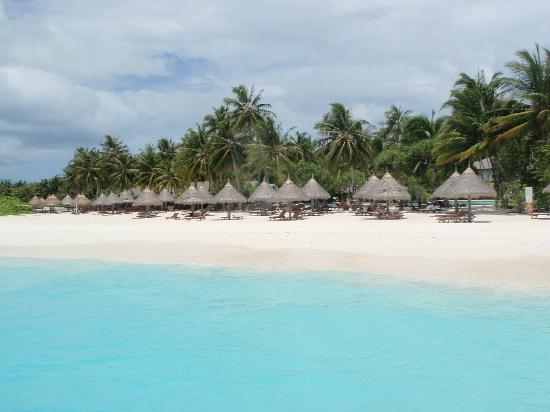 Sun Island Resort: main beach