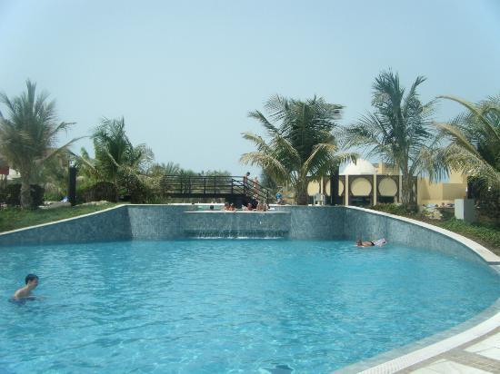 Hilton Ras Al Khaimah Resort & Spa: Non-saltwater pool