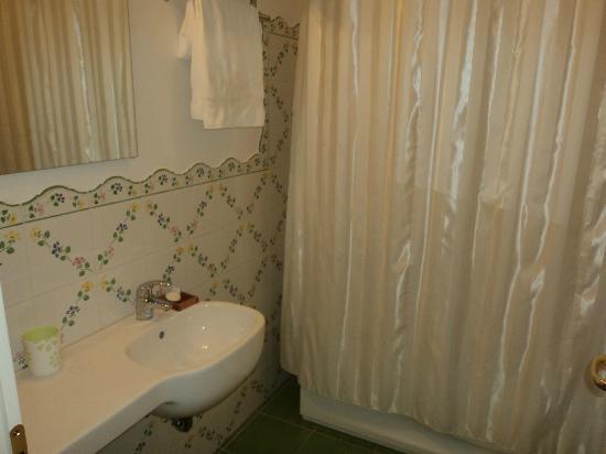 a Casa dei Nonni: Bagno camera superior