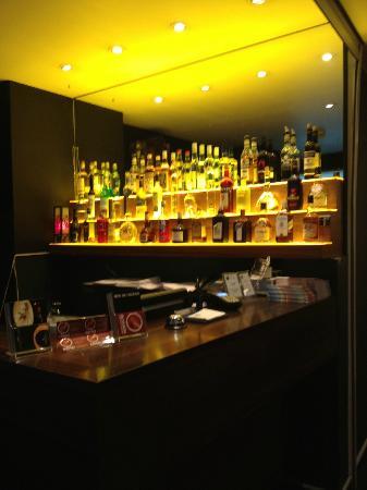 Hotel Falken - Luzern: Reception and Bar