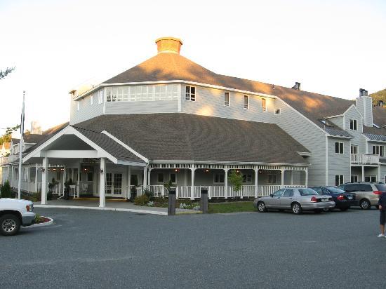 Holiday Inn Club Vacations Mount Ascutney Resort: Main building
