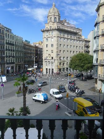 Hotel Regina Barcelona: View from our corner room