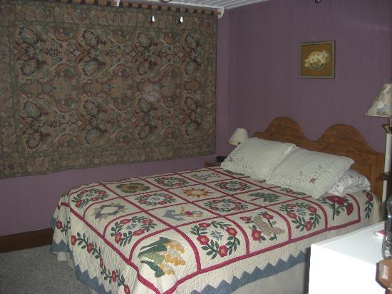 Riverside Hotel: Room 5