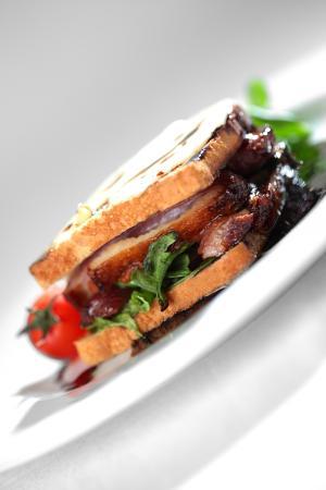 La Borie du Chevrier : Hamburger de Canard Roti, Jus acidulé à la Noix