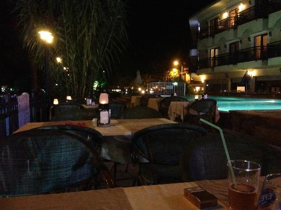 Dalyan Tezcan Hotel: Dinner time