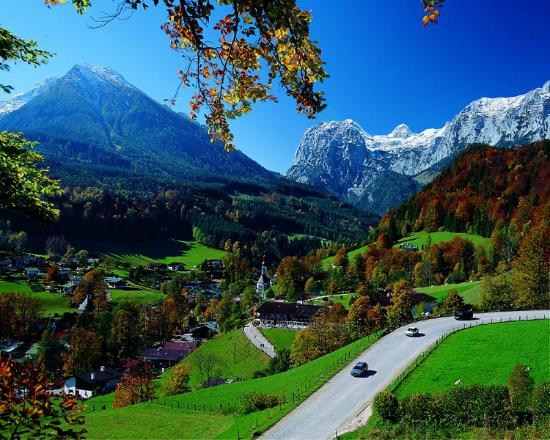 BEST WESTERN PLUS Berghotel Rehlegg: Hotel im Herbst