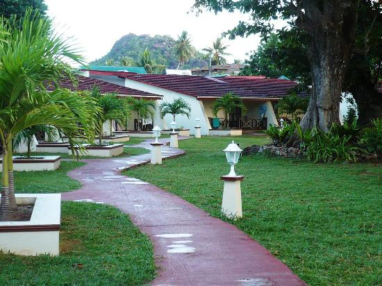 Berjaya Praslin Resort - Seychelles: Вид из комнаты