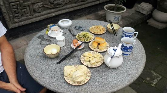 Pingyao Cheng Jia Hotel : breakfast in the courgyard