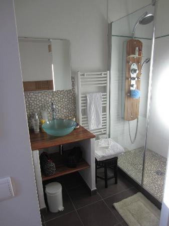 L'Oustalet : la chambre de bain - chambre Zen
