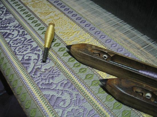Museo-Laboratorio di Tessitura a Mano Giuditta Brozzetti: Tessitura a jacquard