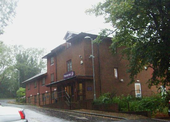 Premier Inn Portsmouth (Horndean) Hotel: Nice location,lots of parking ...