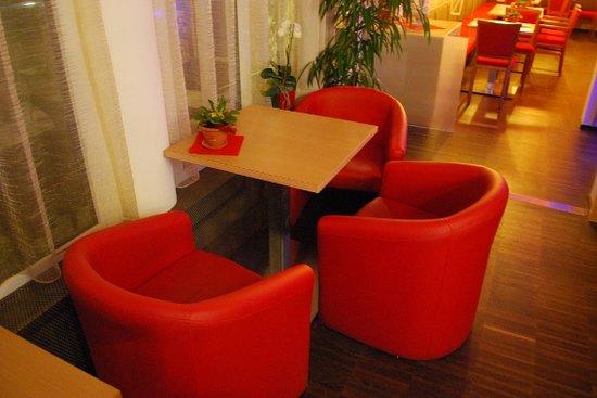 Cafe Almatosa: Innen - Interno