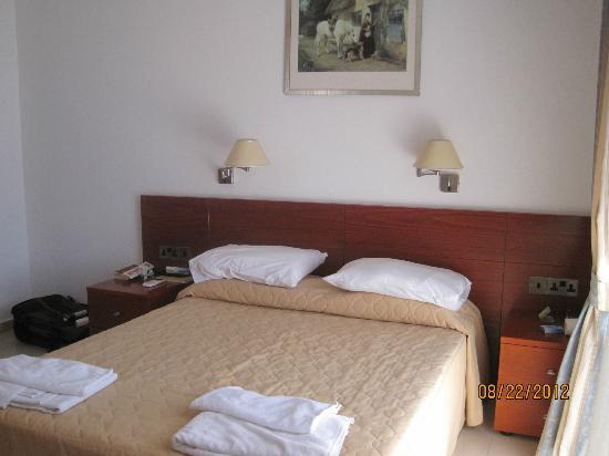 Paradise Kings Club: bedroom