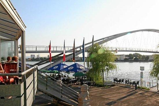 Weil am Rhein, Niemcy: Chinarestaurant Rheinpark im Dreiländereck