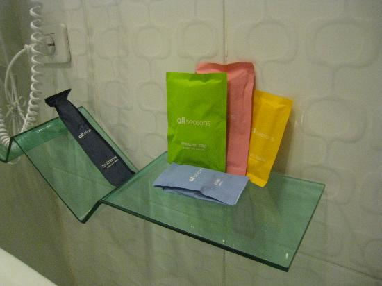 Ibis Styles Chiang Mai: bathroom goodies