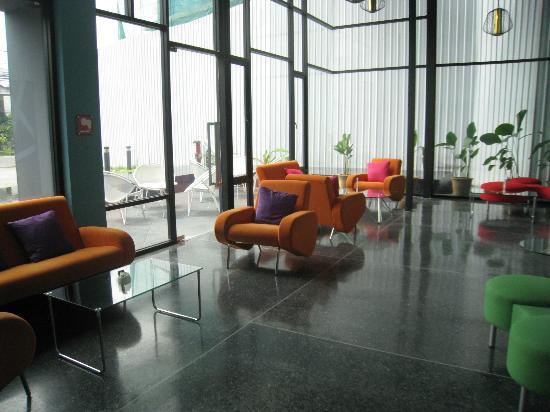 Ibis Styles Chiang Mai: lobby