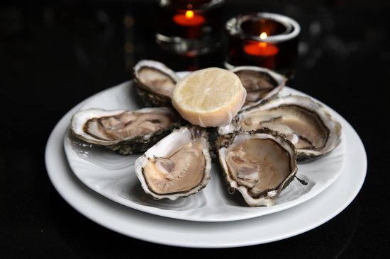 Gamba Seafood Restaurant : Fresh Oysters at Gamba Glasgow