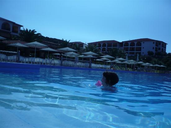 Akrathos Beach Hotel: pool