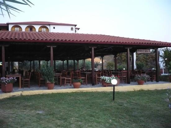 Akrathos Beach Hotel: taverna
