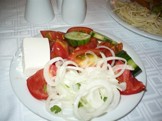 Akrathos Beach Hotel: salad