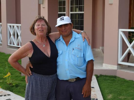 جراند كولوني آيلاند فيلاس: Me and Carlos 