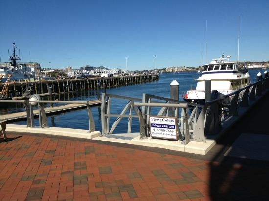Battery Wharf Hotel, Boston Waterfront: Outside Restaurant view, a nice place for lunch