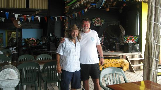 Grand Colony Island Villas: Dennis Wolfe - whatta guy and a great singer